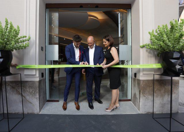 Lleno absoluto en la inauguración de las nuevas oficinas de Nayar Systems en la avenida Casalduch de Castelló