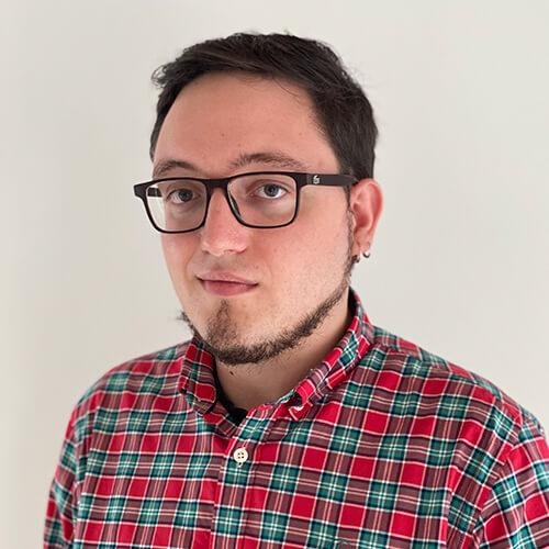 https://www.nayarsystems.com/wp-content/uploads/2021/03/PabloGonzalez-1.jpg